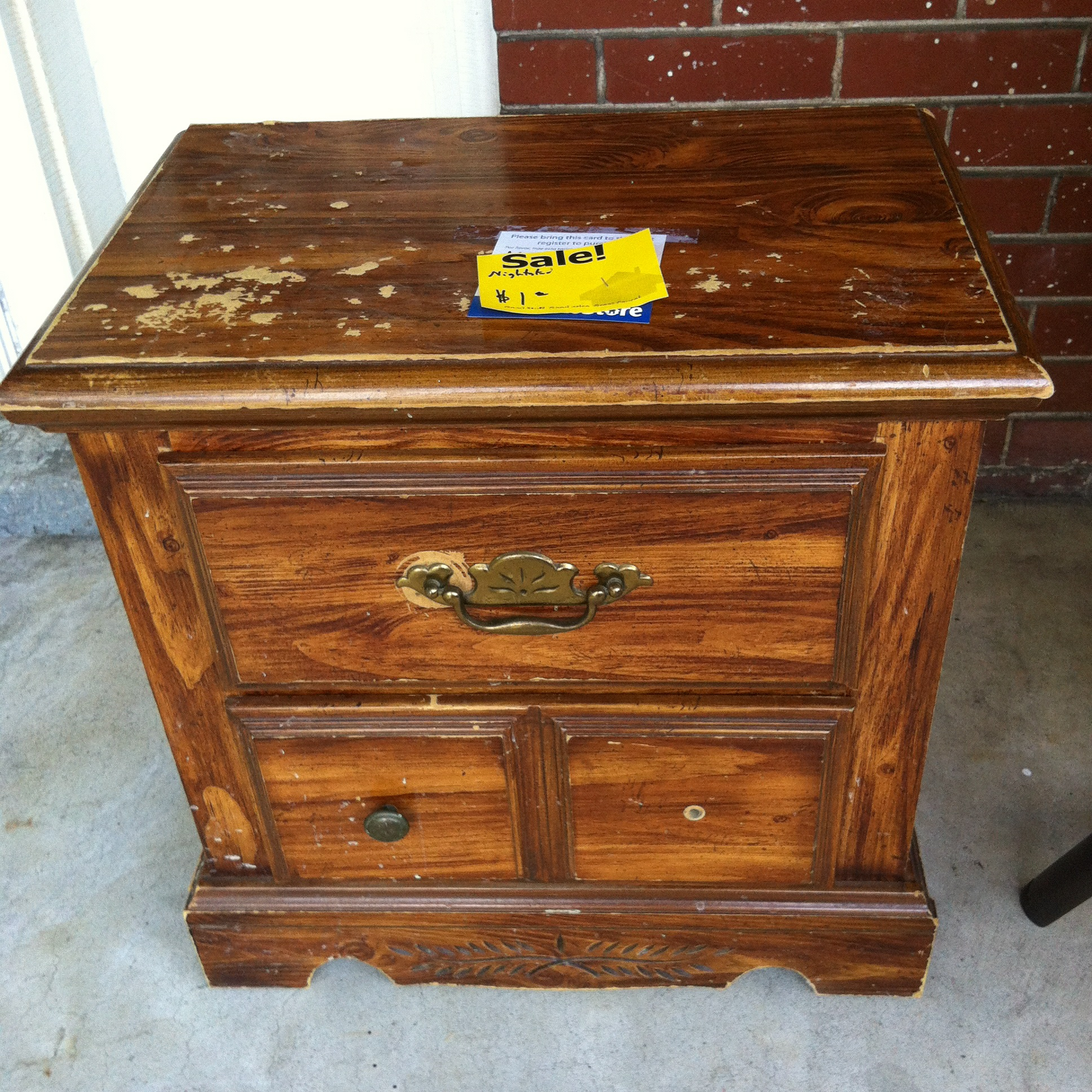 Nightstand redo diy the hilliard home for Redo furniture